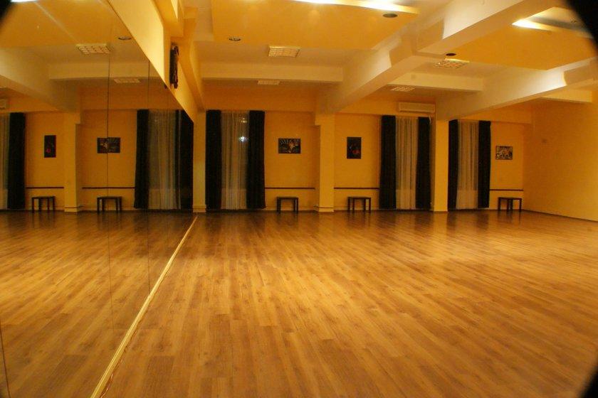Salile scolii Magic Dance Academy in imagini.