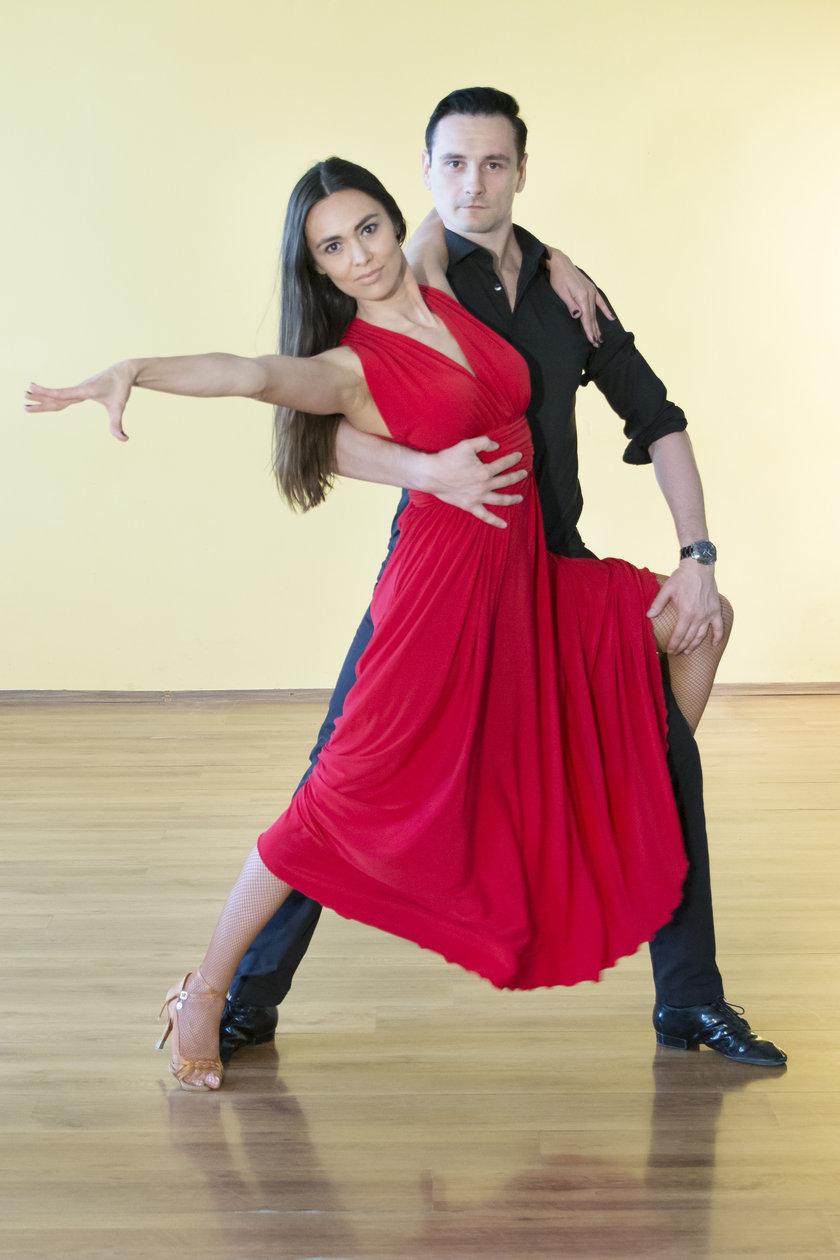 Cunoasteti profesorii de la cursul de Dansuri de Societate si Latino-americane