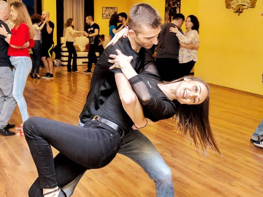 Cursuri dansuri latino de club - Salsa, Bachata si Kizomba