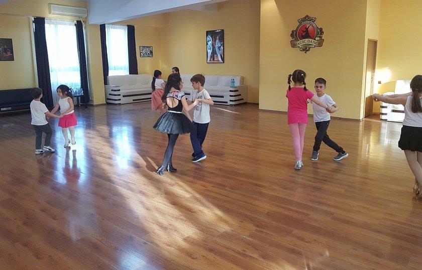 Cursurile de dansuri pentru copii.